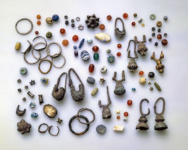 Kuvahaun tulos haulle hinnom burial jewels